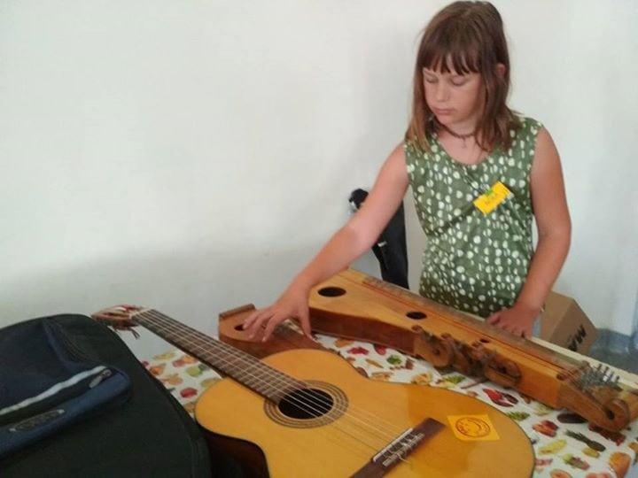 Kreatív zenetábor a faddi művelődési házban – 1. napIsmerkedés és Ferge Béla zen…